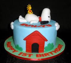 snoopy cakes snoopy cake cakes and cupcakes snoopy birthday