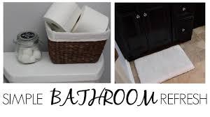 simple bathroom refreshes toilet towel u0026 rug youtube