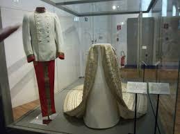 robe de mari e sissi la robe de mariée de sissi et la tenue de françois joseph à voir