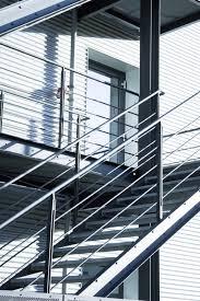 treppen rutschfest machen außentreppe rutschfest machen anleitung in 4 schritten