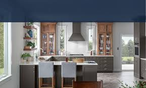 which kitchen cabinets are better lowes or home depot shop custom cabinets at lowe s