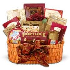 Condolence Baskets Condolence Basket For The Bereaved Family From Great Gift Baskets
