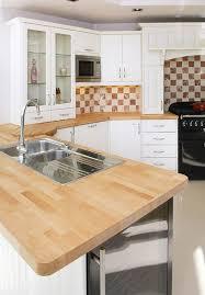 cuisine plan de travail bois plan de travail en bois massif pour cuisine et salle de bain