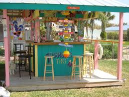 Outdoor Backyard Ideas by Best 25 Tiki Bars Ideas Only On Pinterest Outdoor Tiki Bar