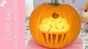how to carve a halloween cupcake jack o lantern diy cupcake