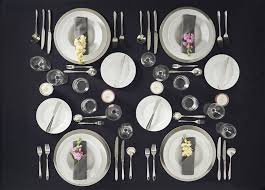 how many place settings how to set a table