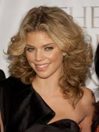 marie osmond hairstyles feathered layers feathered hairstyle feathered curly hairstyle annalynne