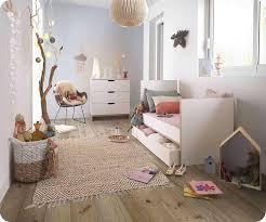 chambre bébé chambre bébé complète plume blanche et bois