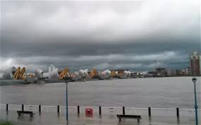 thames barrier ks2 video uk weather time lapse shows flooding near thames barrier