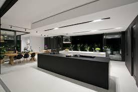 cuisine d architecte baies vitrées cuisine moderne et piscine magnifique dans une maison