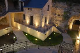 chambres d hotes troglodytes hôtel troglodyte rocaminori à louresse rochemenier 49 saumur