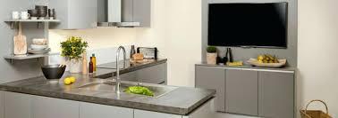 faire une cuisine sur mesure cuisine equipee ouverte salle a manger gris et blanc proche