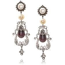 Chandelier Earrings Earrings What Do Your Earrings Say About You Jm Edwards Jewelry