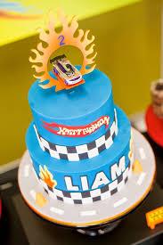 cake from a wheels car birthday party festa temática