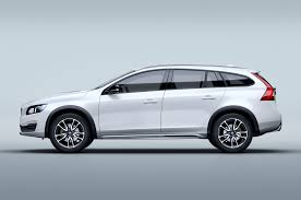 volvo canada volvo shows v60 cross country xc90 announces lineup revamp