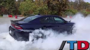 charger hellcat burnout video 2015 dodge charger srt hellcat does huge burnout gtspirit