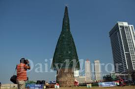 the world s tallest artificial tree daily mirror sri