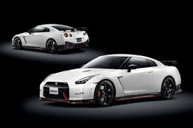 nissan sports car black new 592hp nissan gt r nismo is the fastest one ever watch it lap