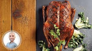 cuisiner canard entier canard glacé à l asiatique de stefano faita recettes iga