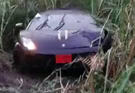 lamborghini aventador crashes lamborghini aventador crash in ebaum s