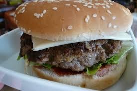 cuisiner un hamburger recette de hamburger 100 maison la recette facile