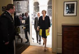 theresa may moves into 10 downing street as britain u0027s second