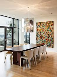 20 dining rooms featuring artworks that make all the difference