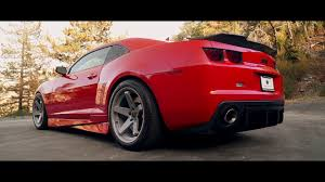 20 inch camaro rims 2013 chevy camaro ss fitted with staggered 20 inch bd 21 in dust