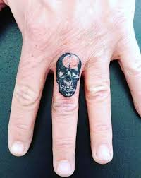 75 finger tattoos for manly design ideas