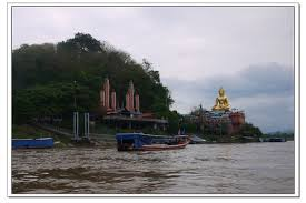 toasts et canap駸 2015泰國清邁 清萊一日遊 金三角 乘船遊湄公河 美塞邊境 長頸族部落