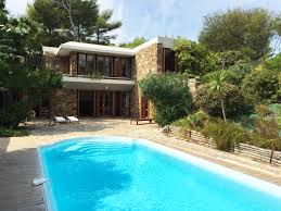 House With Pools