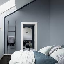 le bleu gris élu couleur de l ée 2017 on dit oui murs bleus