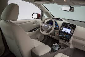 nissan leaf interior 2016 nissan leaf to offer 107 mile range