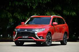 mitsubishi uae 2016 mitsubishi new cars photos 1 of 4