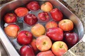 baking soda can remove pesticides from apples