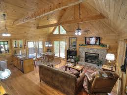 2 bedroom log cabin dance in the treetops at dancing bear lodge a 2 bedroom log cabin