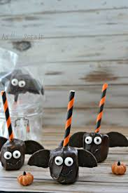 chocolate covered marshmallow bat pops for halloween as mom sees it