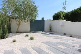 idee amenagement jardin devant maison 100 entree de jardin moderne oregistro com u003d porte de