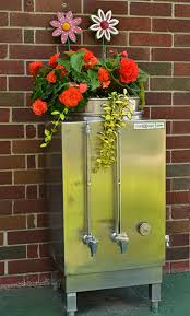 Bathtub Planter There U0027s A 9 Foot Cactus In A Bathtub U2013 U0026 That U0027s Just The Beginning
