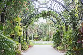 Fit Botanical Gardens Florida Botanical Garden Wedding 100 Layer Cake