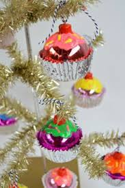easy diy cupcake ornaments what a gift for bunko