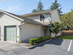 Ron Russell Roofing by 12034 Se Bush St Portland Or 97266 Mls 17461821 Redfin