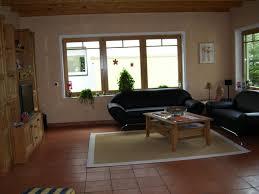 ideen zum wohnzimmer streichen wohnzimmer streichen streifen ruhbaz