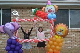 circus balloon circus balloon photo booth balloon creations