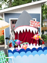how to make your own shark style trunk or treat halloween