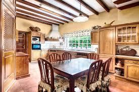 sala da pranzo country cucina stile country con sala da pranzo fotografia stock