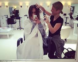 why did penny cut her hair kaley cuoco cuts six inches of hair off for sexy new bob daily