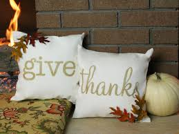 how to create thanksgiving throw pillows craftcuts fall