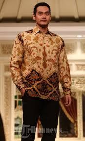 Batik Danar Hadi peragaan busana batik danar hadi foto 9 1678781 tribunnews