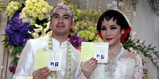 wedding dress nagita slavina raffi ahmad and nagita slavina wedding broadcasted 2 days in a row